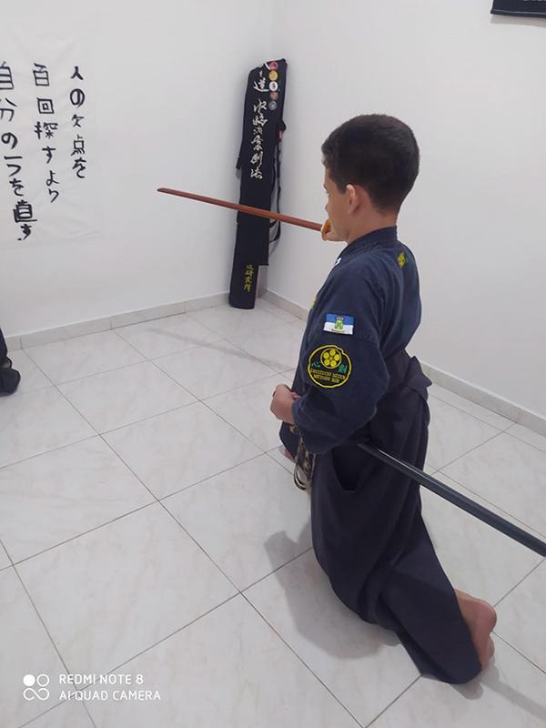 Renan treinando iaijutsu